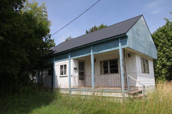Lot 3585